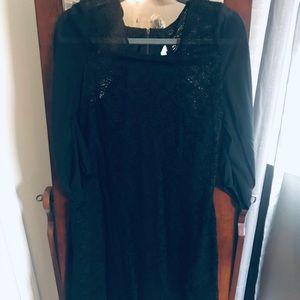 Black lace dres